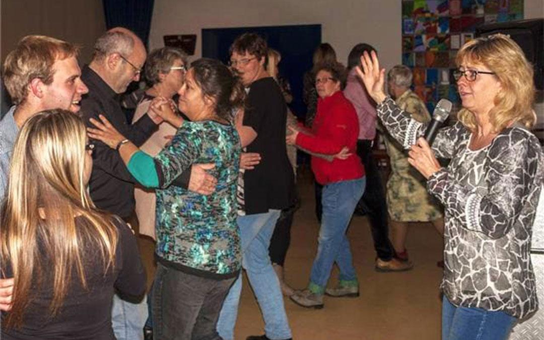 Stichting Stijldansen de Regenboog geeft optreden en workshop